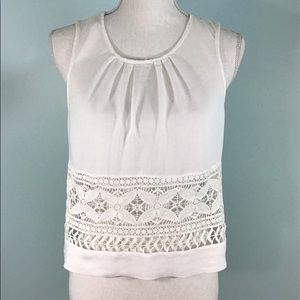 Cute White Top Lace Front Size Medium